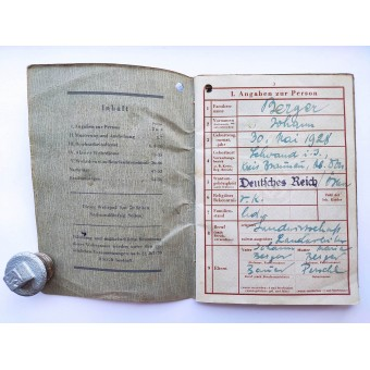 The Wehrpass issued in 1945 for 16-years-old boy. Espenlaub militaria