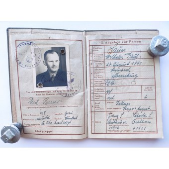 Wehrpass issued to WW1 veteran with the grey cover. Espenlaub militaria