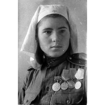 Soviet Russian female headgear for military nurse. Espenlaub militaria