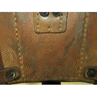 Pair of K 98 Luftwaffe or DAK brown leather ammo pouches 1942 dated.. Espenlaub militaria