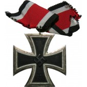 Iron cross II class, probably Chr. Laurer. Excellent condition with matt magnetic core