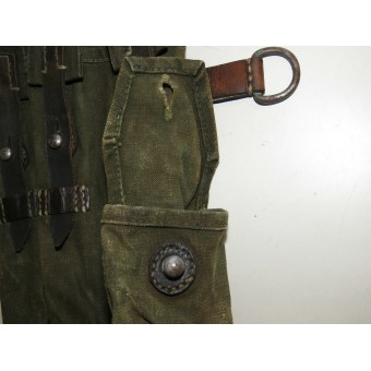 Right side canvas pouch for the mp-40 submachine gun. Espenlaub militaria