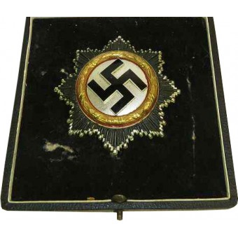 3rd Reich German cross in Gold with award case. 134 marked. Espenlaub militaria