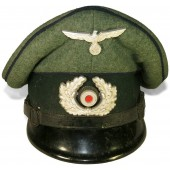 Early war issue NCOs medical service visor hat