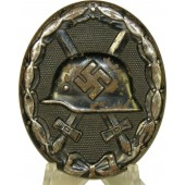 Verwundetenabzeichen in Schwartz/ Wound badge in Black L/11 marked by Wilhelm Deumer