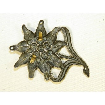 Early tombak made Edelweiss badge for Gebirgsjäger hat. Espenlaub militaria