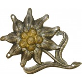 Early tombak made Edelweiss badge for Gebirgsjäger hat