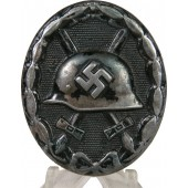 "German WW2 wound badge in black, ""32"" Wilhelm Hobacher"