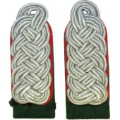Luftwaffe official's shoulder boards for rank Amtsrat