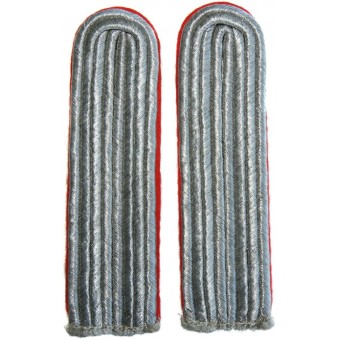 Sew in shoulder boards of lieutenant of Luftwaffe Flak artillery. Espenlaub militaria