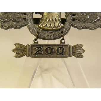 "Luftwaffe Reconnaissance Clasp in Gold with ""200"" pendant.. Espenlaub militaria"