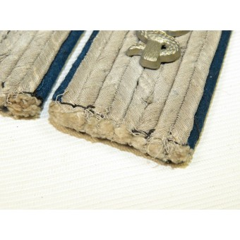 Wehrmacht medical service officer shoulder boards for lieutenant. Espenlaub militaria