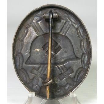 Unmarked wound badge in black 1939, blued variant. Espenlaub militaria