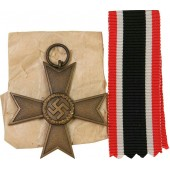 Deschler & Sohn KVK II 1939 War merit cross in bronze in factory wrap. No swords