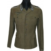 The combat worn tunic for Feldwebel from the 377th infantry regiment