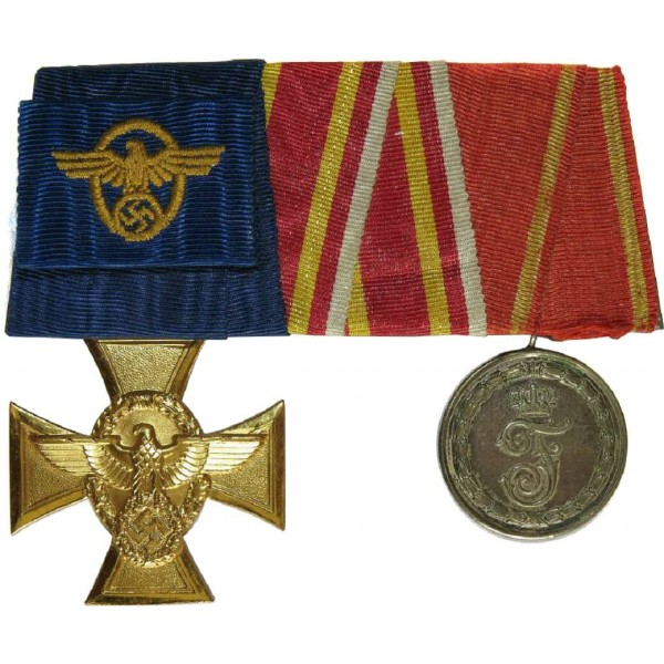 Medals bar belonged to the Police serviceman, WW1 and WW2- Medals & Orders