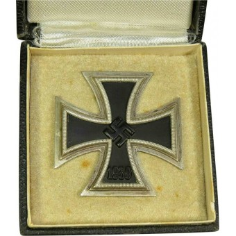 Iron Cross First Class 1939 with presentation Case, L 59.. Espenlaub militaria