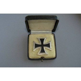 Iron Cross First Class 1939 with presentation Case, marked 100.. Espenlaub militaria