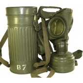 Luftschutz Gasmask in super top condition! Completed set.