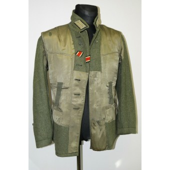 M43 Wehrmacht Heer tunic in rank of lieutenant of the 1st Infanterie Regiment.. Espenlaub militaria