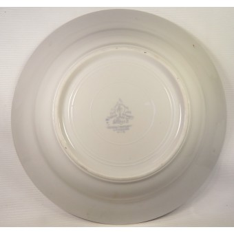 Red Army Mess Hall soup bowl, bottom marked by Krasniy Farfor. Espenlaub militaria