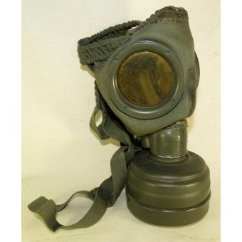 German 3rd Reich WW2 made, 1944 year dated gasmask with canister.. Espenlaub militaria