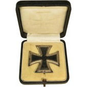 ron cross 1st class 1939 by Wilhelm Deumer Luedenscheid, marked 3, cased.