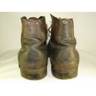 Soviet / lend lease supply enlisted leather ankle boots. Espenlaub militaria
