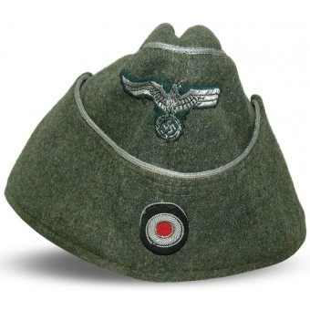 M38 Wehrmacht Heer officers side hat. No soutage as per war time regulation. Espenlaub militaria