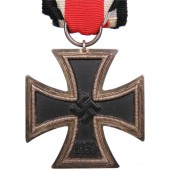 "Iron Cross 1939. II class Gottlieb & Wagner, Idar-Oberstein, marked ""52"""