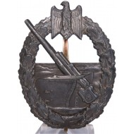 The Kriegsmarine coastal artillery badge by Juncker