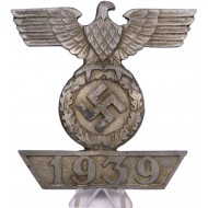 Wall decoration in the form of 1939 Iron Cross clasp