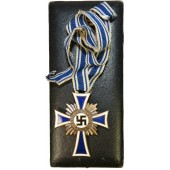 German mother cross in bronze. Alfred Stübbe Berlin with case of issue