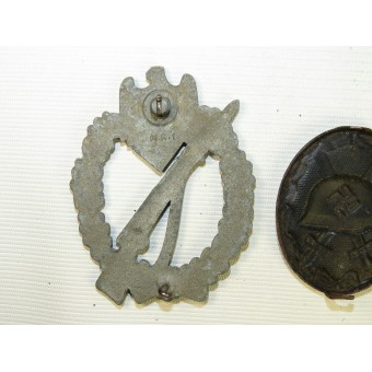 Set of 2 awards: black wound and infantry assault badges.. Espenlaub militaria