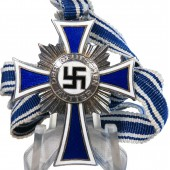 2nd class Cross of German mother - Ehrenkreuz der Deutschen Mutter in Silber.