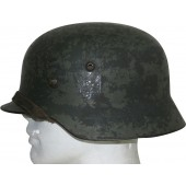 M 35 double decal Ostfront (33 Infanterie Rgt) helmet in field depot repaint