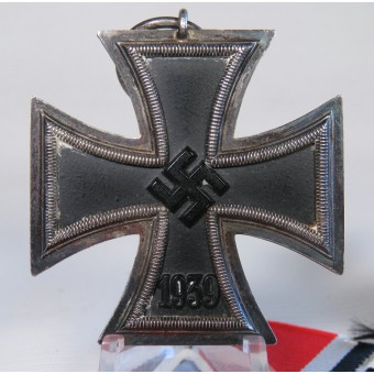 Iron cross 2nd class 1939 by ADHP. Unmarked. Espenlaub militaria