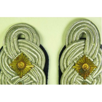 Wehrmacht Heeres or Luftwaffe Oberstsarzt (Oberst)  sew in shoulder boards. Espenlaub militaria