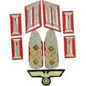 Insignia for Waffenrock in rank Oberst of 27 Artillery regiment