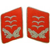 Luftwaffe Hauptmann of Flak or Waffenoffizier red felt collar tabs
