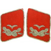 Luftwaffe Leutnant of Flak Artillery or Waffenoffizier red moleskin collar tabs for Fliegerbluse or Tuchrock