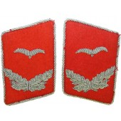 Luftwaffe Lieutenant of Flak Artillery or Waffenoffizier red felt collar tabs for Fliegerbluse or Tuchrock
