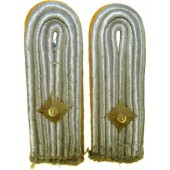 Luftwaffe Oberleutnant shoulder boards