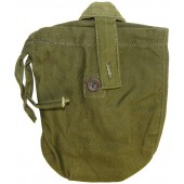 Olive green canvas canteen cover, 1945.