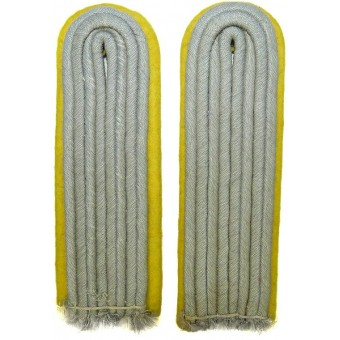 Wehrmacht Heer Signals lieutenants shoulder boards for field tunic. Espenlaub militaria