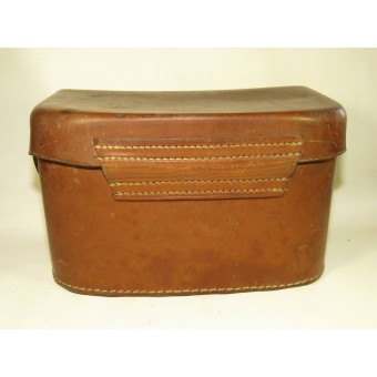 Brown leather medical pouch for Luftschutz. Espenlaub militaria