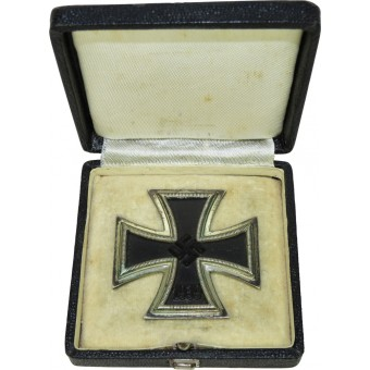 EK1 cross  in a box of issue. 1st class iron cross, 1939, 26. Espenlaub militaria
