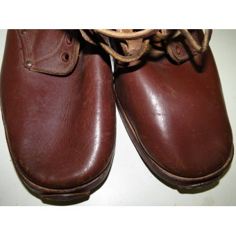 Soviet Red Army  lend-lease leather shoes made from brown leather. Mint.. Espenlaub militaria