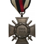 Hindenburg commemorative cross for 1914-18 war w/swords