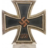 Iron Cross 1939 1st class. Godet, Berlin - early variant.